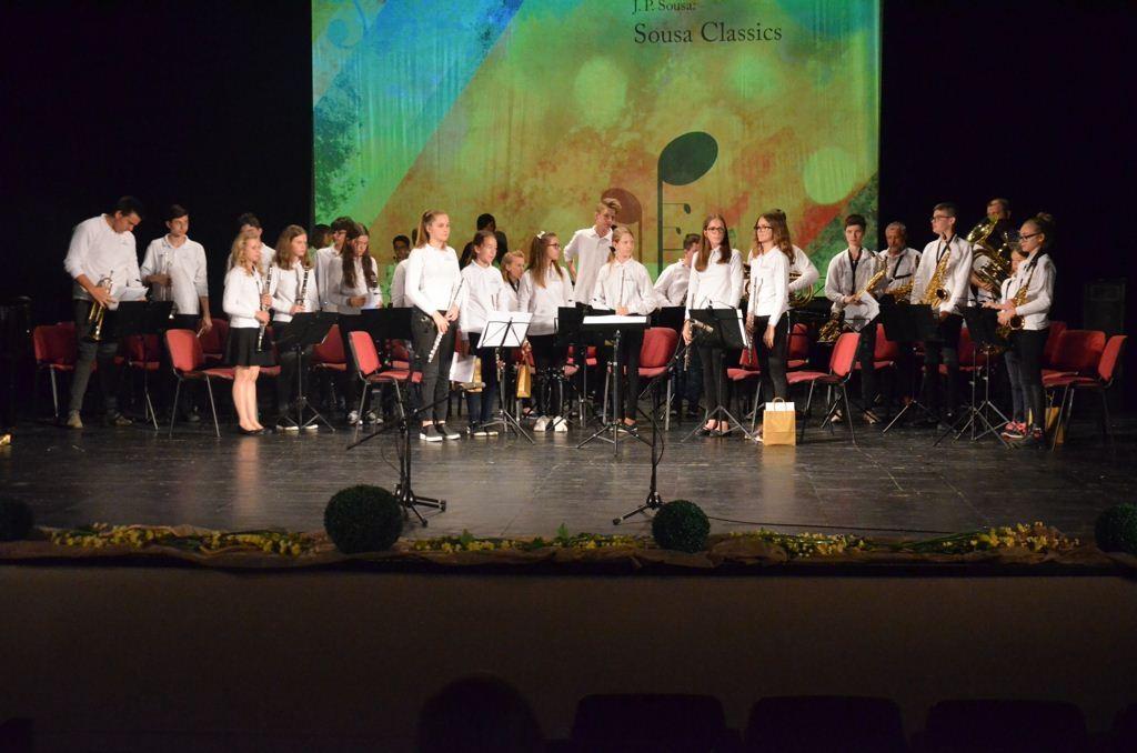 Zaključni koncert učencev GŠ Lendava v gledališki in koncertni dvorani Lendava