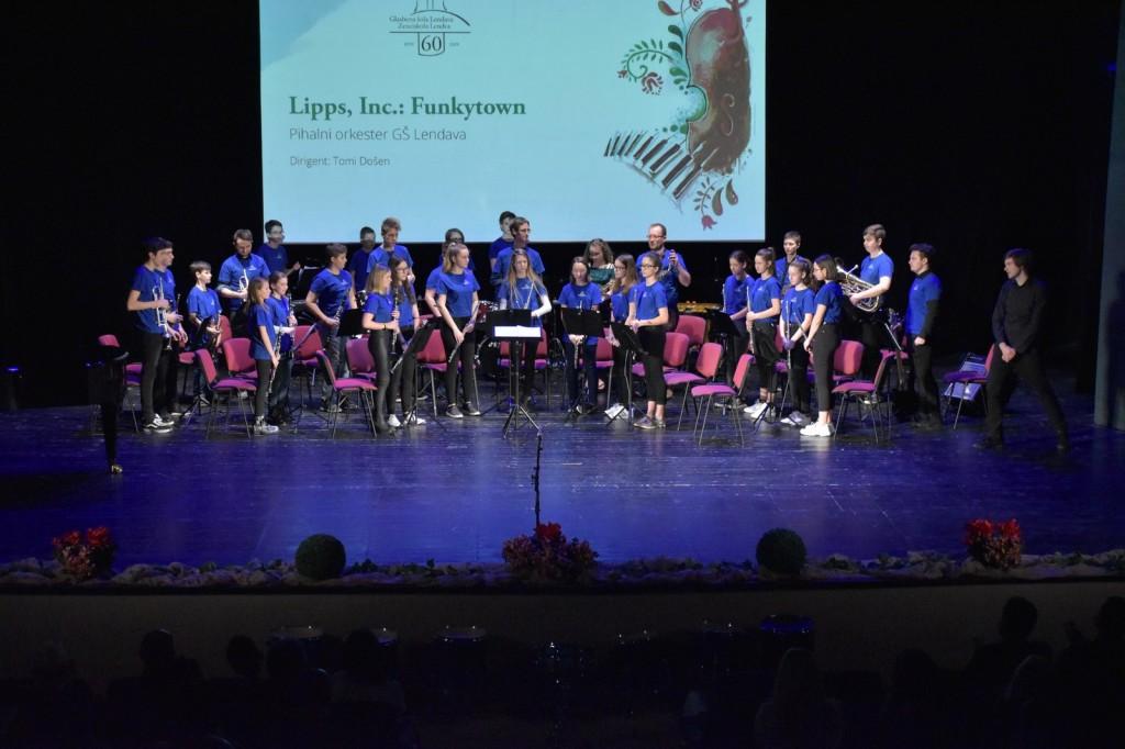 Skupni koncert učencev GŠ Lendava in GŠ Lenti v gledališki in koncertni dvorani v Lendavi